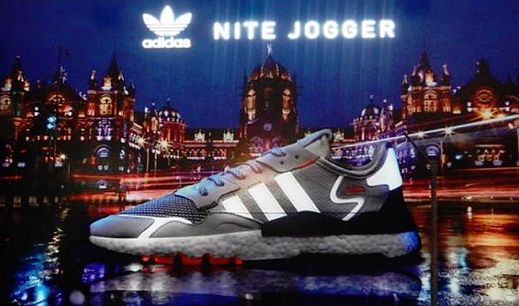 Nite Jogger from Adidas uses a disruptive technology for OOH advertising.